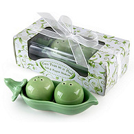 Two Peas in a Pod Salt & Pepper Shaker Favors