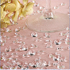 clear diamond-shaped table jewels - medium